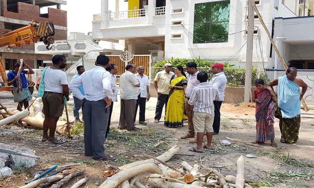 Corporator Lakshmi Prasanna Goud ensures restoration of power