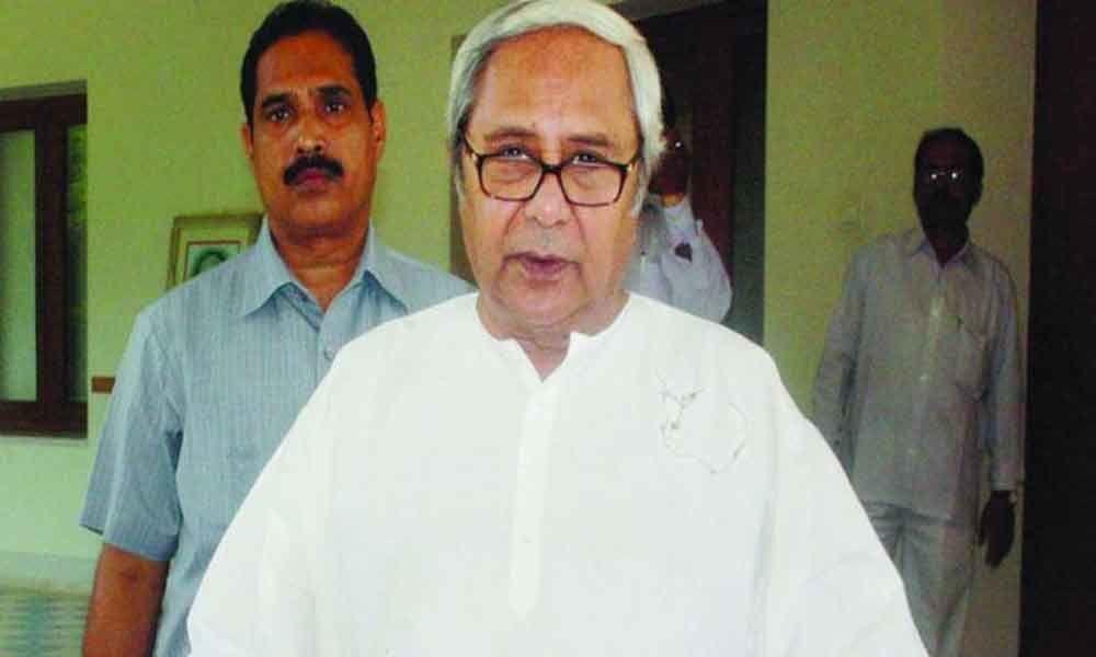 Modi congratulates Naveen Patnaik for retaining Odisha