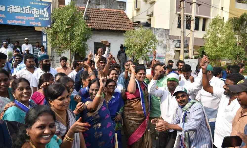 TDP gets a big jolt in Godavari districts