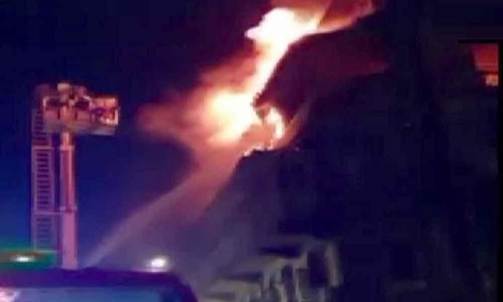 2 dead as fire breaks out in building at Bhendi Bazaar