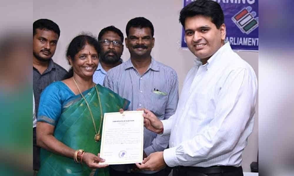 YSRCP candidate Vanga Geeta wins Kakinada MP seat