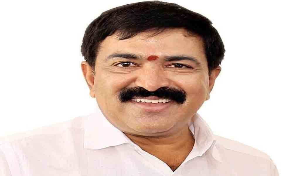 Dwarampudi thanks Kakinada voters for electing him