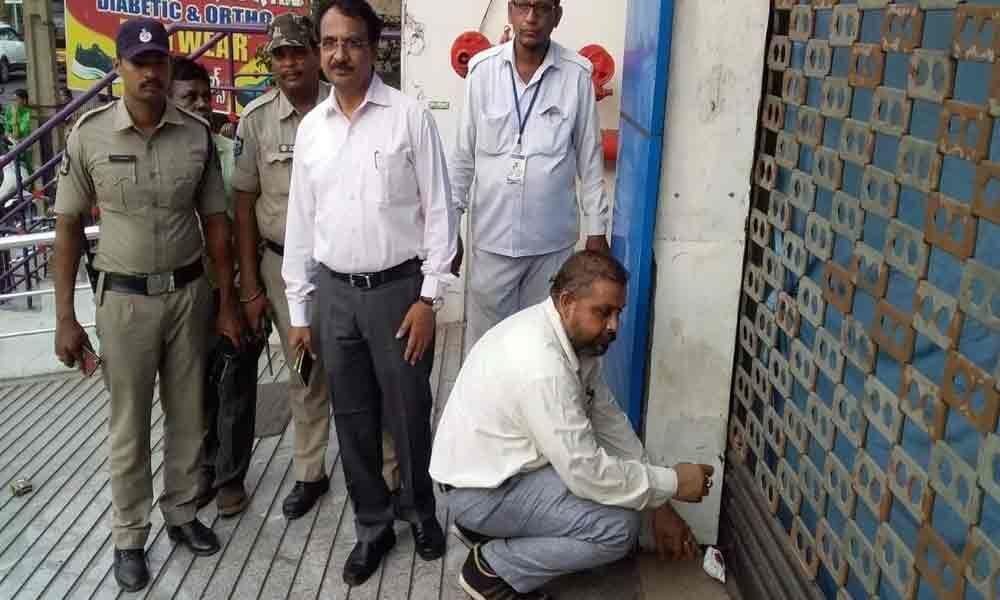 Officials seal Sraddha Hospital