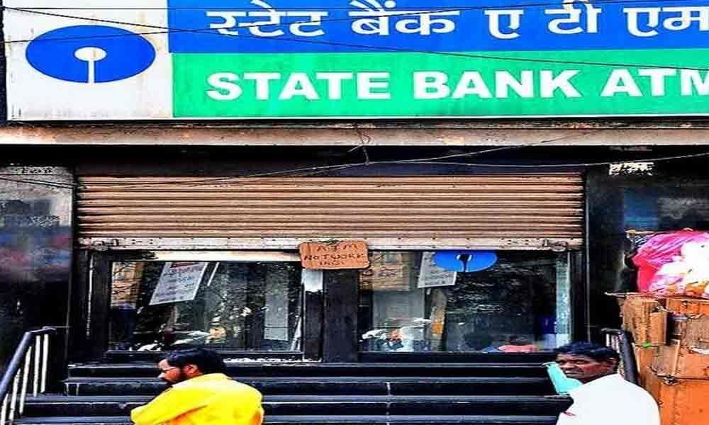 Technical glitches at ATMs irk customers in Kurnool
