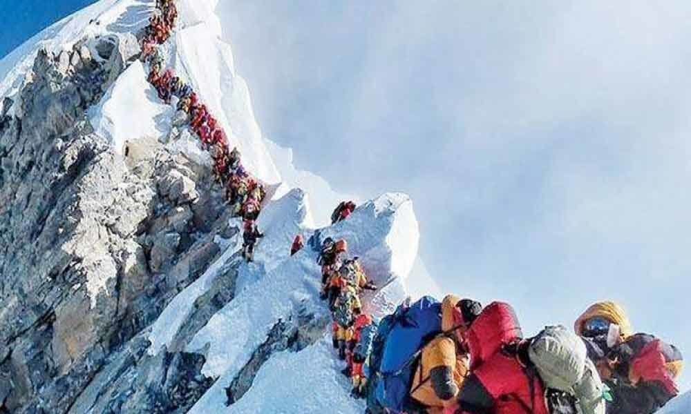 Mountaineers body blames overcrowding for Mt Everest deaths