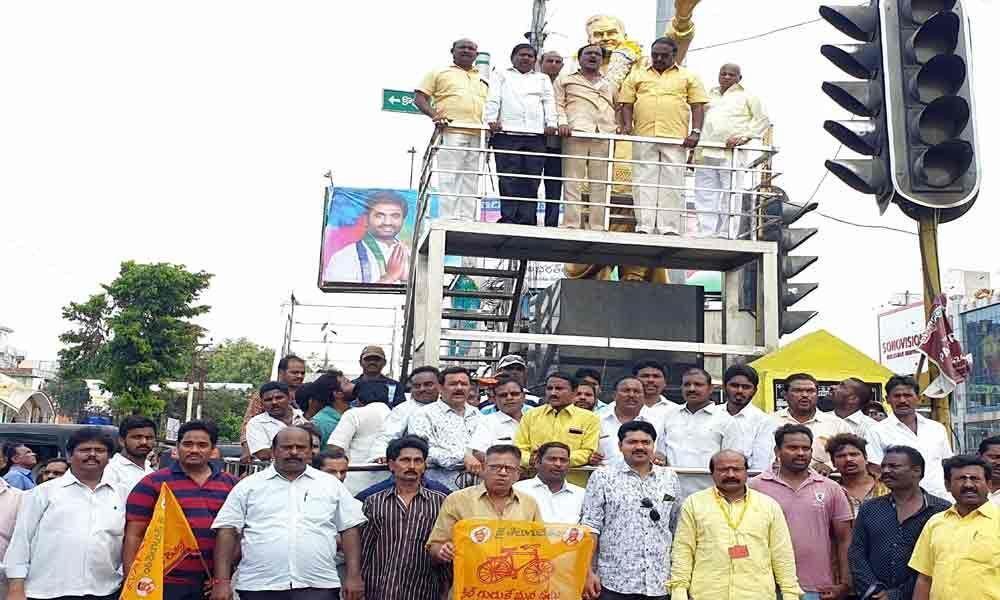 Rich tributes paid NT Rama Rao