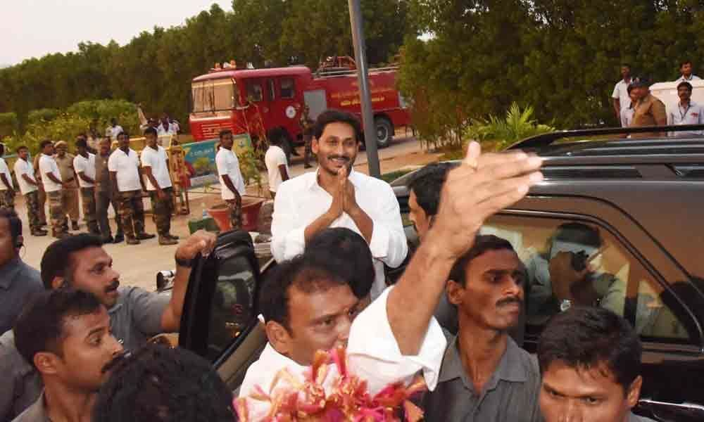Jagan Mohan Reddy gets welcome from supporters