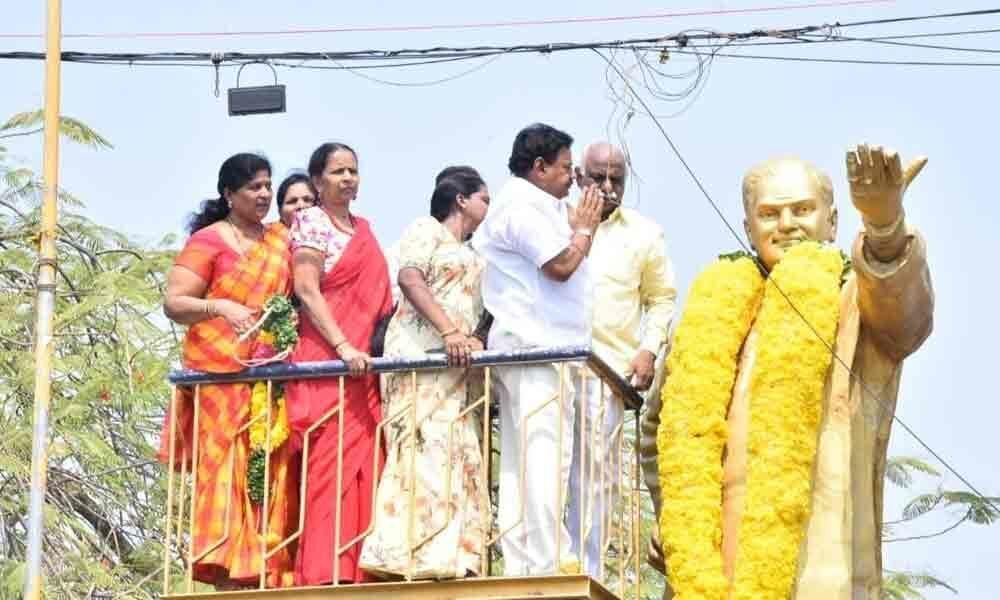 Services of NTR to Telugu States recalled