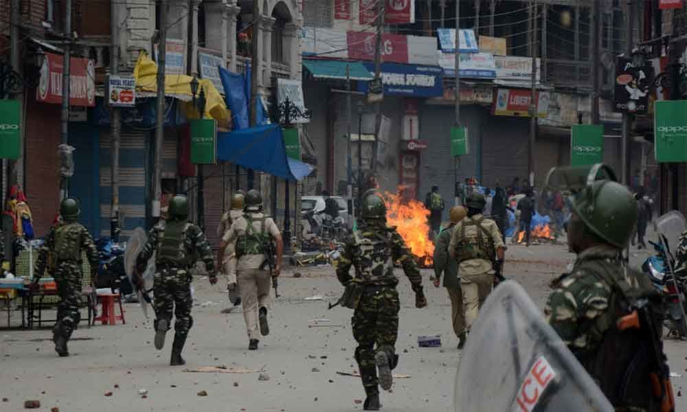 Over 50 injured in clashes at Kulgam gunfight site