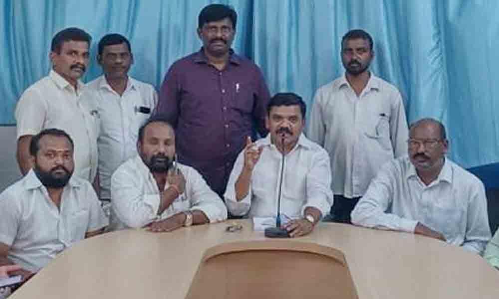 Kakatiya University  employee leaders support RS Praveen Kumar in Warangal