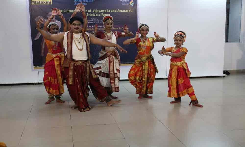Kuchipudi dancers enthral audience