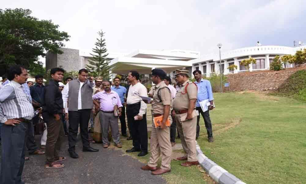Collector inspects arrangements for Vice President visit
