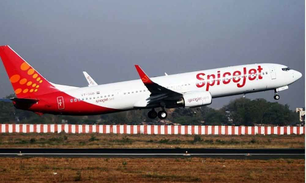 SpiceJet to hire up to 2,000 Jet staff