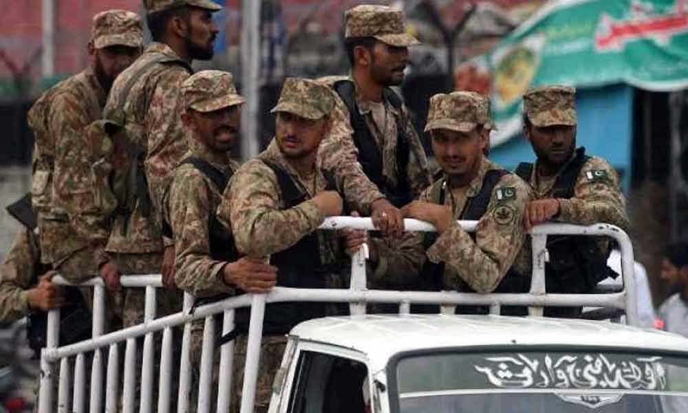 Pakistan military to voluntarily cut defence budget