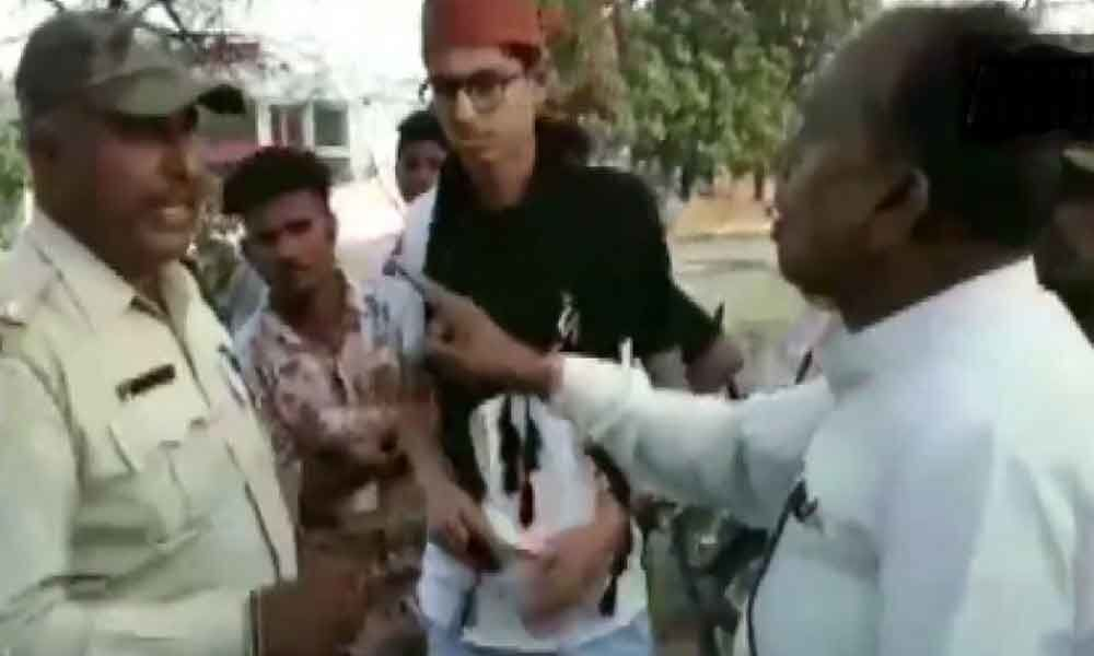 Watch: Congress lawmaker argues with cop performing duty