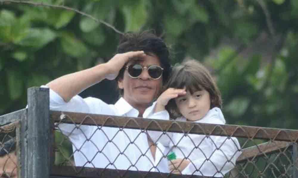 Shah Rukh Khan, son AbRam greet fans on Eid