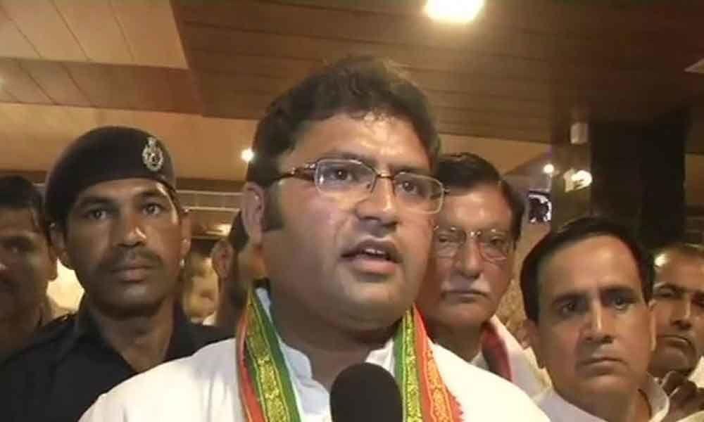 Haryana Congress chief faces flak at party meet, says shoot me