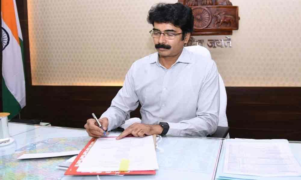 Muralidhar Reddy assumes charge as new Collector