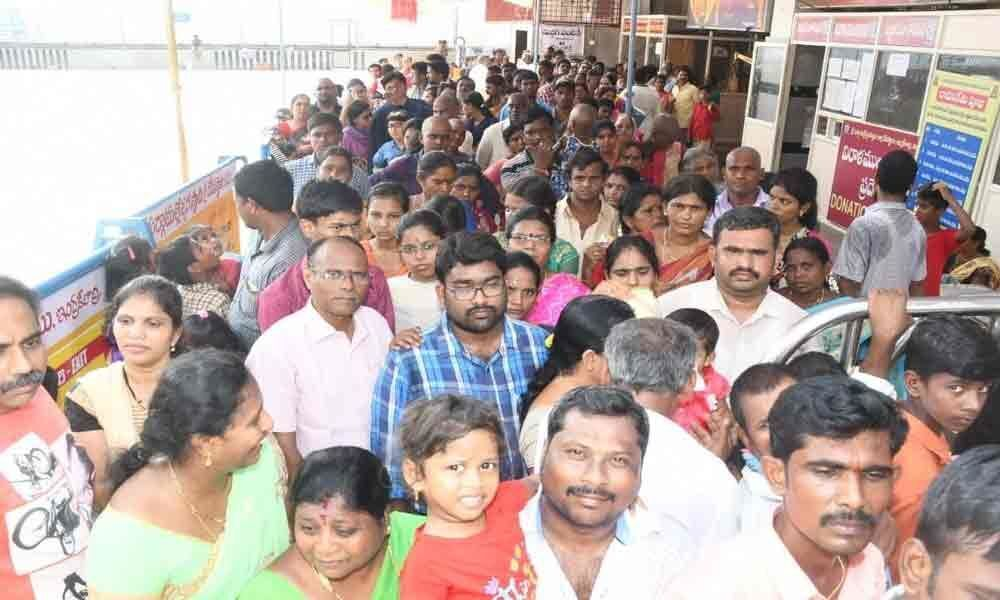 Heavy rush at Durga temple