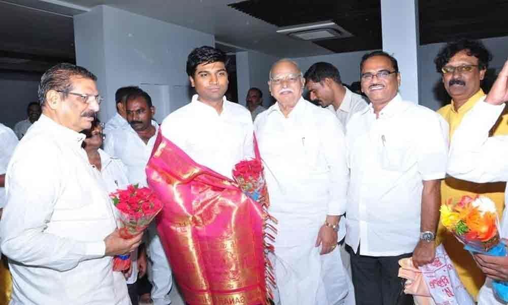 MP Lavu Sri Krishnadevarayalu felicitated Pedanandipadu College