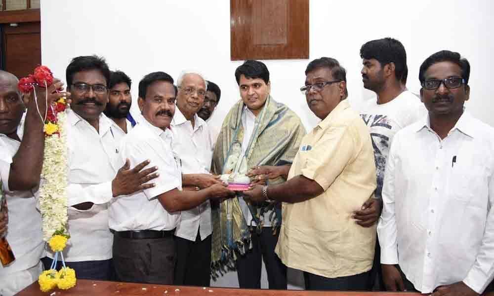 SC/ST associations felicitate Mishra