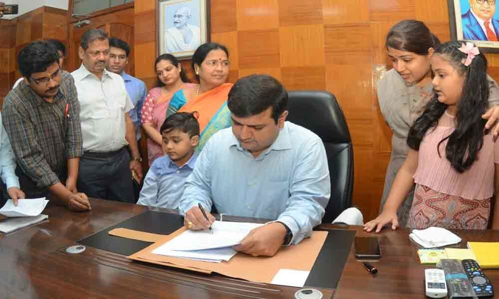 Ensure welfare schemes reach beneficiaries: New Collector