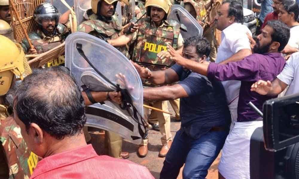 10 injured in clash between YSRCP, TDP workers in Andhra Pradesh