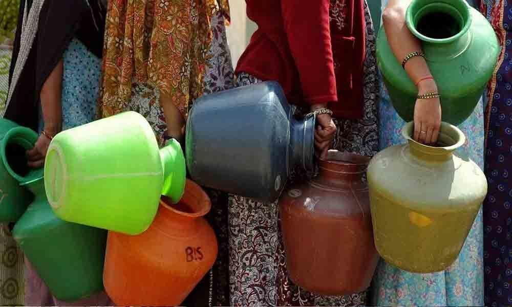 Vijayawada: Officials asked to resolve drinking water problem