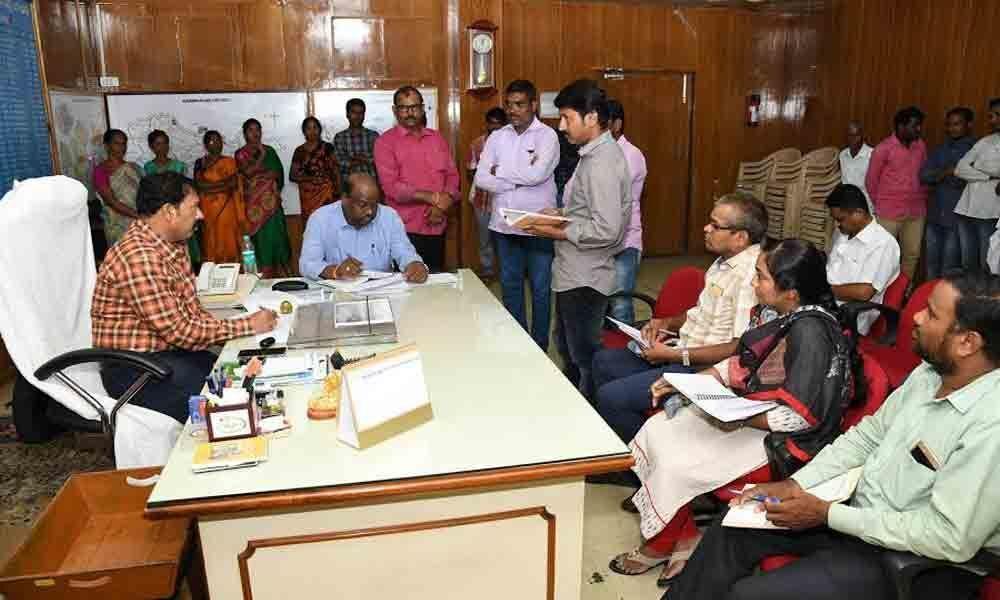 Ensure transparency in ration distribution in Karimnagar