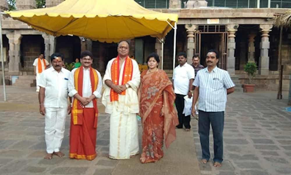 Nellore MP Prabhakar Reddy visited Srisailam temple on Thursday