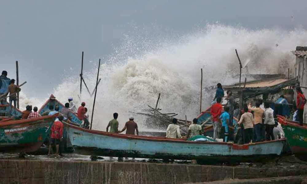 Cyclone Vayu brings heavy rain