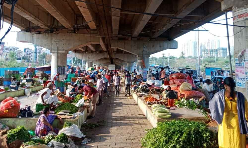 Vendors not keen to shift to Rythu Bazaars