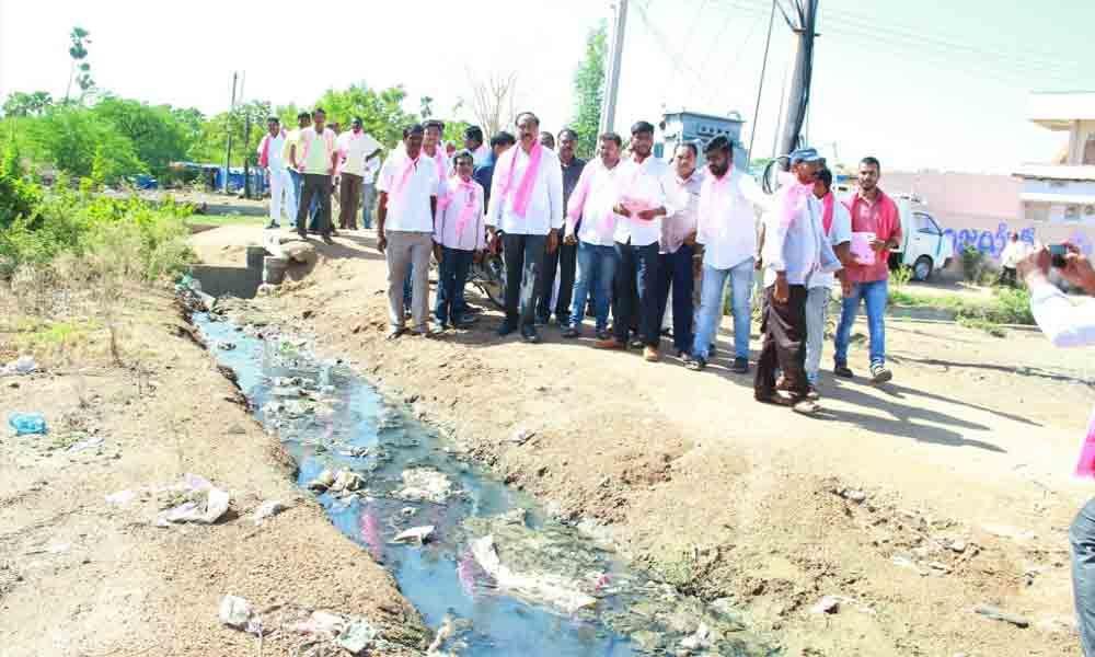 Jagtial MLA assures of better roads