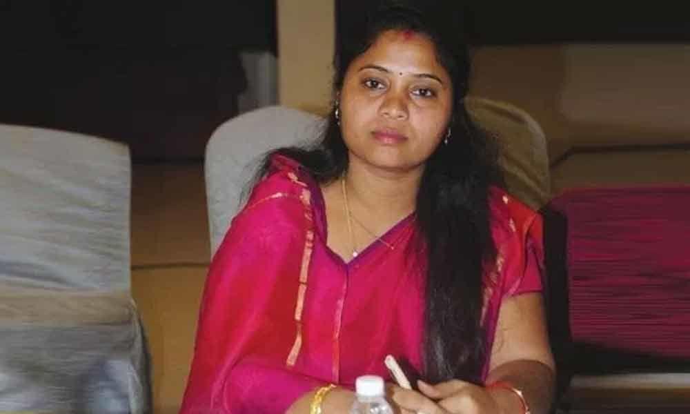AP Deputy CM Pushpa Srivani escapes unhurt