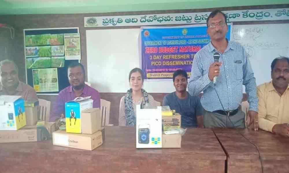 Motivate farmers to adopt natural farming