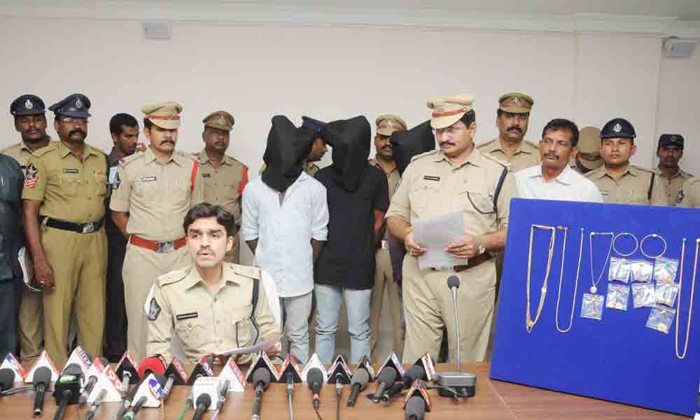 Nellore: Six nabbed in two cases; 13 lakh gold, cash recovered