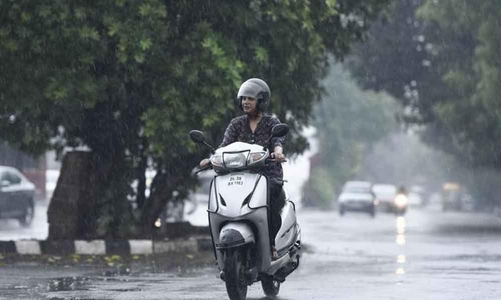 Light showers lash parts of Goa