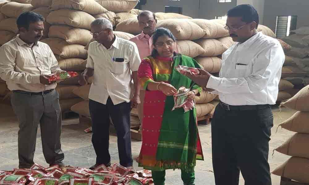 Vigilance sleuths seize seeds worth Rs 1.12 crore