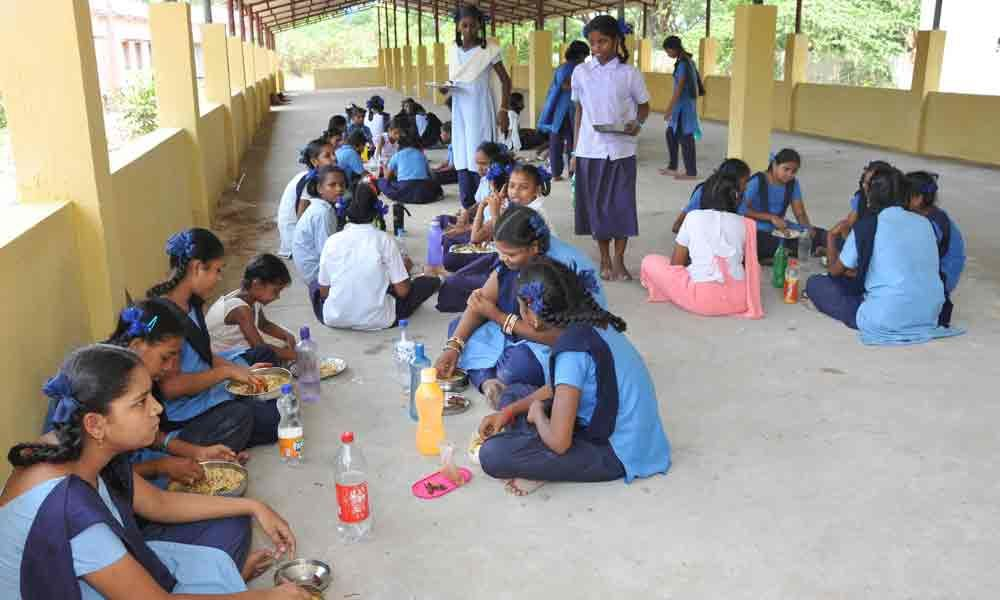 Government girls school gets Rs 40 lakh donation