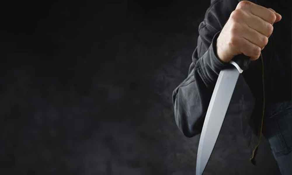 20-years-old girl injured in knife attack at Kurnool district