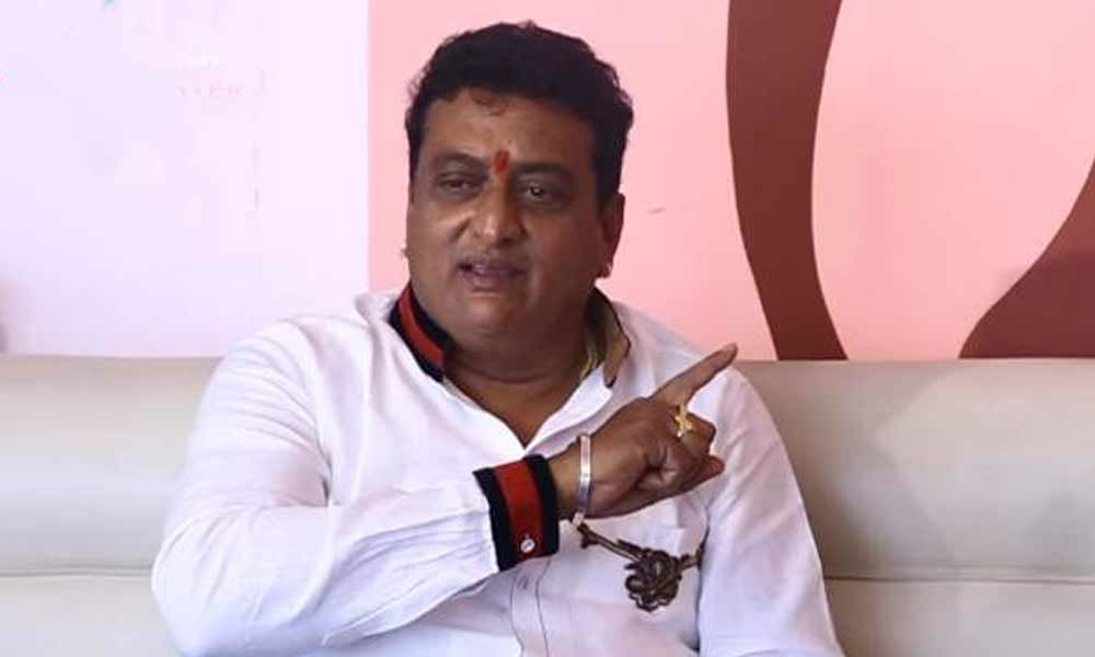 Comedian Pruthvi clears air on AA19 issue