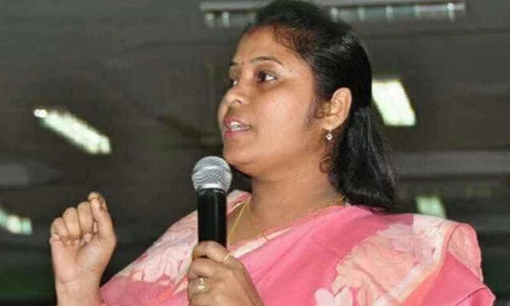 Deputy CM Pushpa Sreevani comments on Chandrababu Naidu