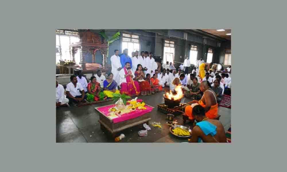 Nalgonda: TRS celebrates Kaleshwaram inauguration