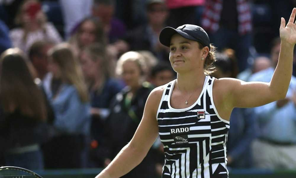 Ashleigh Barty beats Venus Williams to close in on world number one spot
