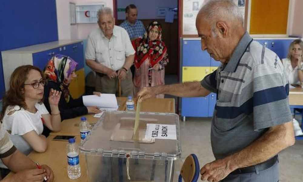 Istanbul begins voting for mayoral re-run