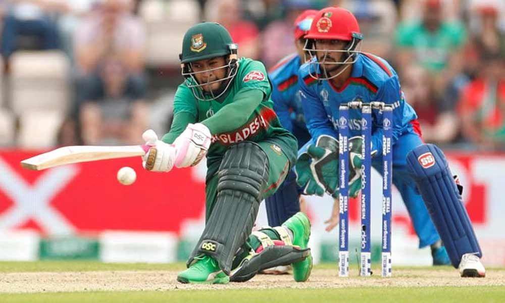 Rahim takes Bangladesh to 262/7