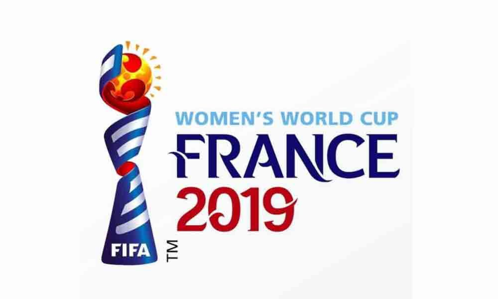 Hosts, England advance to last 8 in women