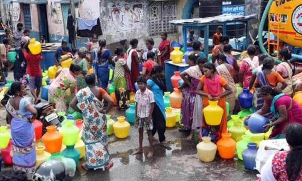 Chennai Water Crisis : Police stops NGO from protesting against government