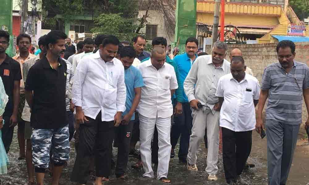 Minister Vellampalli Sinivas visits low-lying areas