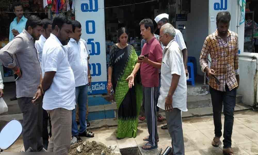 Mayor Sunkara Pavani inspects city works
